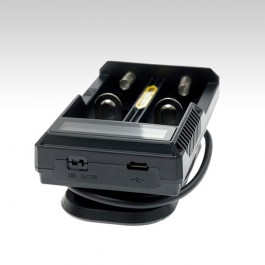 Зарядное устройство Nitecore UM20, возможность одновременной зарядки от USB